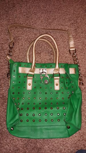 Large green purse for Sale in Moreno Valley, CA