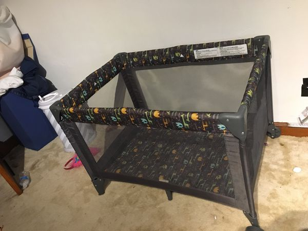 Play pen for baby
