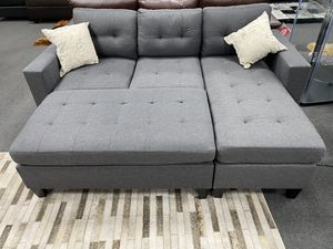 Grey Sectional W/ Ottoman for Sale in Fresno, CA