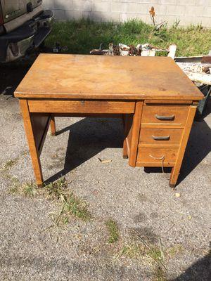 Desk 42long 30deep 30tall for Sale in Pomona, CA