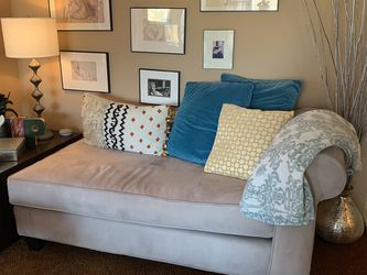 Chaise Couch - Beige for Sale in Chicago,  IL