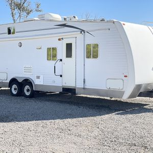 2004 hide out by Keystone 30 FT with private garage for Sale in Murrieta, CA