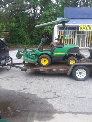 Johndeer tractor and vac for Sale in Stonecrest, GA