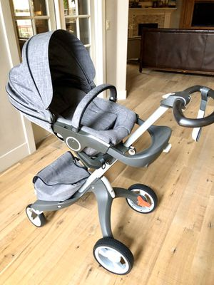 Beautiful Stokke Xplory V5 stroller with rain cover, net. for Sale in Camas, WA