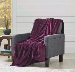 NWT Grape Juice Colored Throw for Sale in Albany, OR