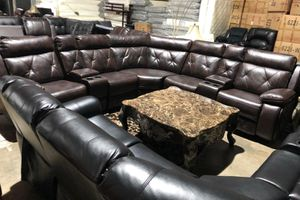 Reclining Tufted Leather Sectional for Sale in Atlanta, GA