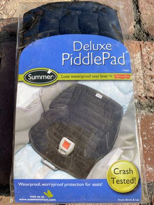 Deluxe piddle pad, waterproof seat liner for Sale in Los Angeles, CA
