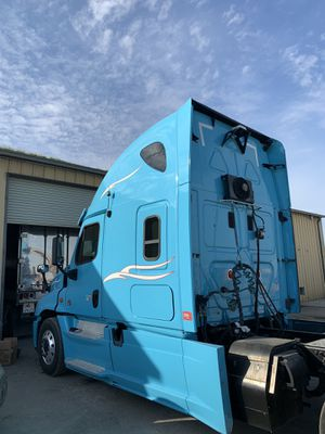 Freightliner casacadia DD15 for Sale in Hanford, CA
