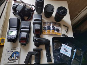Massive Canon bundle! Body, lenses, flashes, more! for Sale in Midvale, UT