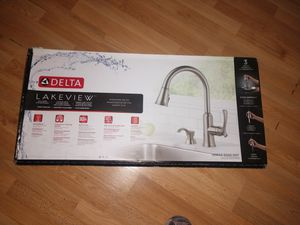 Delta kitchen foucet new never used for Sale in Renton, WA