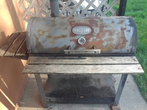BBQ barbcue GRILL for Sale in Willoughby Hills, OH