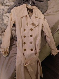 Burberry Trench Coat 1200 Brand New 400 OBO Like New for Sale in North Bend,  WA