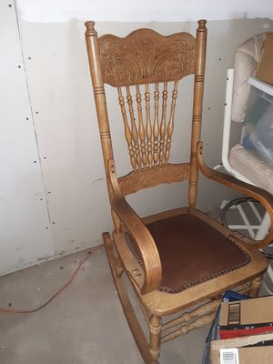 Antique rocking chair for Sale in Hotchkiss, CO