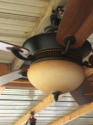 Ceiling fan for Sale in Stratford, OK
