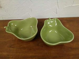 """1/$9 (2) Hand Crafted China 7"""" Pear Serving Dish for Sale in Oklahoma City, OK"""
