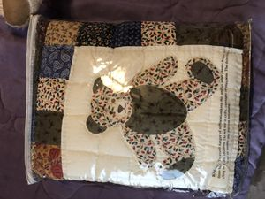 Teddy bear quilt and stuffed animal Avon quilt for Sale in Bedford Park, IL