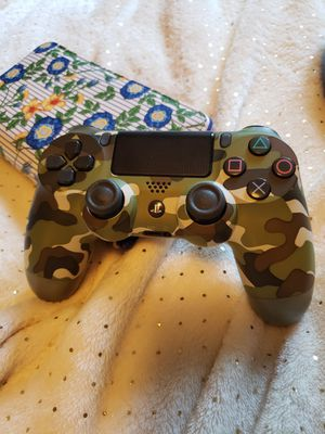 Camo ps4 controller for Sale in Camden, AR