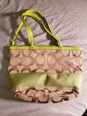 Coach Jacquard Handbag / Purse w/ Certificate of Authenticity for Sale in Beaumont, TX