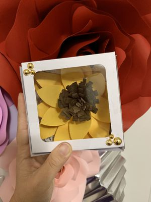 Paper flower gift set for Sale in West Palm Beach, FL