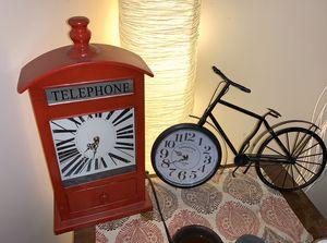 Set of 2 Clocks for Sale in Bremerton, WA