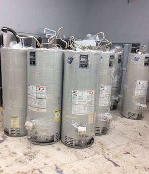 40/50 gallon water heaters Bradford white hydro jet Good condition for Sale in San Diego, CA