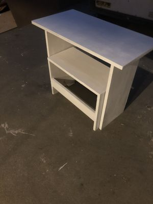 Desk ford kids pick up only no delivery for Sale in Sanger, CA