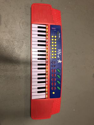 Piano Keyboard for Sale in Traverse City, MI