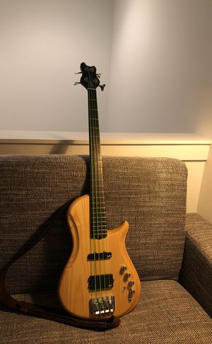 BRUBAKER BRUTE SERIES ELECTRIC BASS for Sale in Nashville, TN