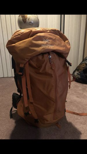 Arc'teryx Altra 75 backpack for Sale in Chicago, IL
