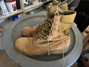 Working boots for Sale in Chula Vista, CA