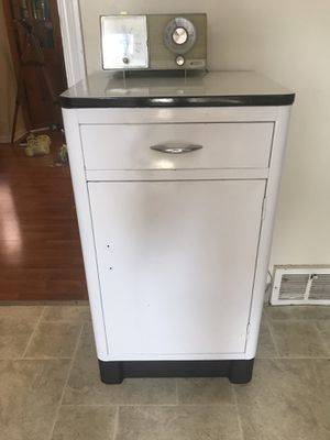 Kitchen table kitchenette for Sale in Cleveland, OH