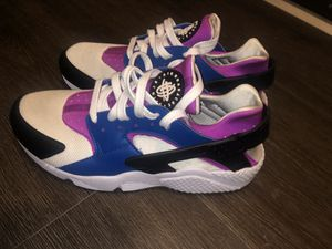 Nike Huaraches for Sale in Des Moines, WA