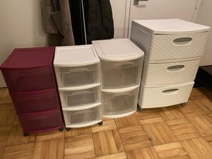 Selling plastic drawers! $5 for small / $10 for big for Sale in New York, NY