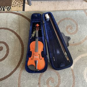 """Capri Viola With Case (Size: 15"""") USED for Sale in Bend, OR"""