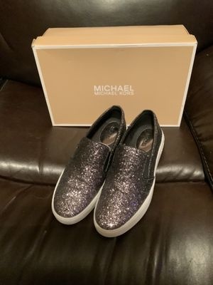 Michael kors size 8 for Sale in The Bronx, NY