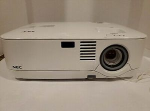 NEC NP400 projector for Sale in Queens, NY