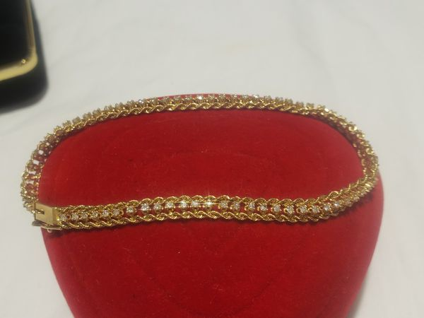 Beautifull 14k solid yellow gold diamond bracelet