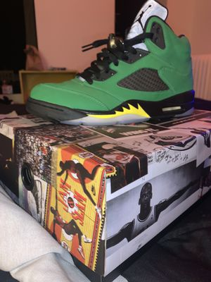 Worn once OREGON 5s SIZE 10 for Sale in Washington, DC