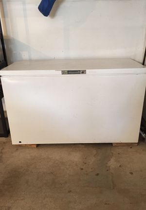 22.3 cu foot chest freezer for Sale in Sandy, UT