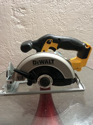 DeWalt 20V MAX Circular Saw DCS393 (NEW) for Sale in Miami, FL