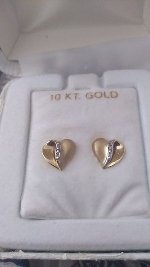 Gold heart earrings for Sale in IND HBR BCH, FL