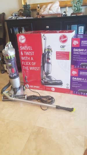 Hoover Windtunnel Air Sprint Vacuum Cleaner Lightweight HEPA Long Extension Wand. ANGLES FLAT AGAINST GROUND, To Vacuum Under Low Coffee Tables for Sale in Fort Lauderdale, FL