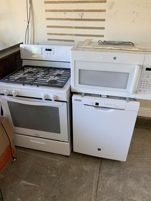 Whirlpool ( gas stove, microwave, dishwasher) for Sale in Brentwood, CA