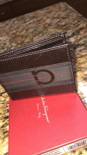 Leather Ferragamo wallet for Sale in Crowley, TX