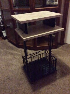 Side stand/magazine rack or little computer desk whatever for Sale in Puyallup, WA