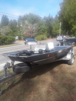 16 ft. Alumnacraft for Sale in Newfield, NJ