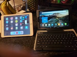 Ipad 6 generation..10.1 inch fire tablet with keyboard for Sale in Ashburn, VA