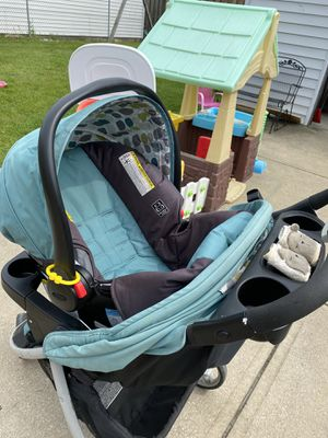 Graco travel system for Sale in Parma, OH