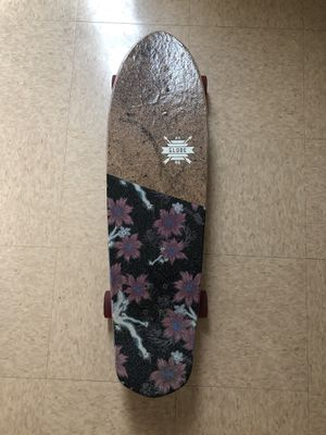 BRAND NEW. Globe longboard for Sale in Fort Belvoir, VA
