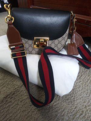 GUCCI handbag for Sale in Clinton, MD